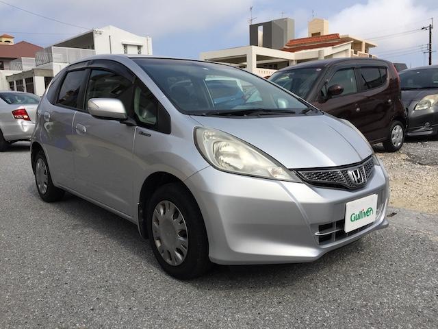 沖縄の中古車 ホンダ フィット 車両価格 59万円 リ済別 2012(平成24)年 8.5万km シルバー