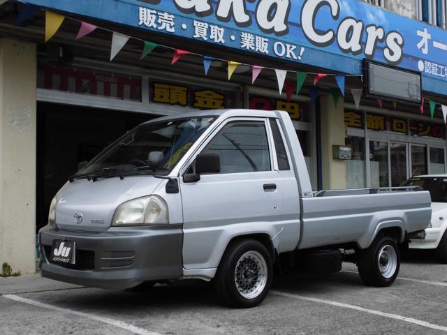 沖縄の中古車 トヨタ タウンエーストラック 車両価格 88万円 リ済込 2006(平成18)年 8.6万km シルバー