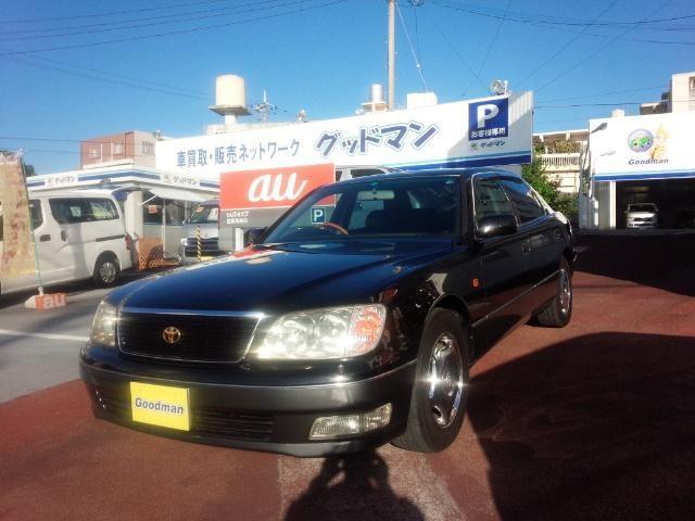 沖縄の中古車 トヨタ セルシオ 車両価格 55万円 リ済別 2000(平成12)年 12.0万km ブラック