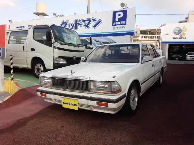 沖縄の中古車 日産 セドリック 車両価格 119万円 リ済別 1986(昭和61)年 4.9万km クリスタルホワイト