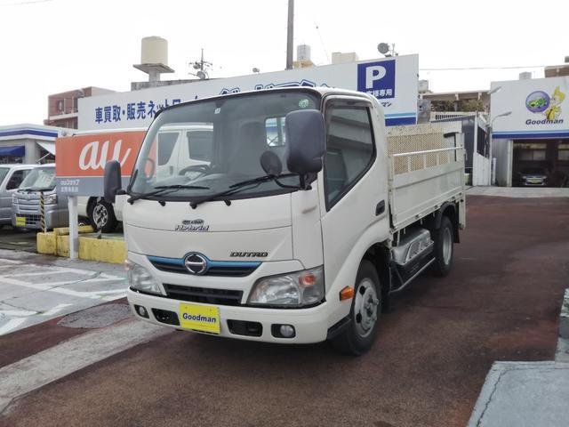沖縄の中古車 日野 デュトロハイブリッド 車両価格 189万円 リ済別 2014(平成26)年 13.6万km ホワイト