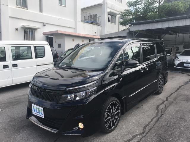 沖縄の中古車 トヨタ ヴォクシー 車両価格 289万円 リ済別 平成29年 1.4万km ブラックII