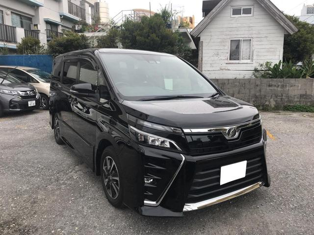 沖縄の中古車 トヨタ ヴォクシー 車両価格 248万円 リ済別 2017(平成29)年 3.0万km ブラック