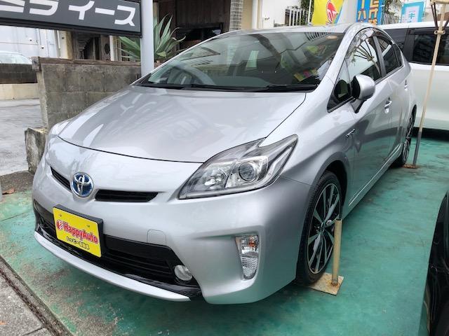 沖縄の中古車 トヨタ プリウス 車両価格 104万円 リ済込 平成25年 7.7万km シルバー
