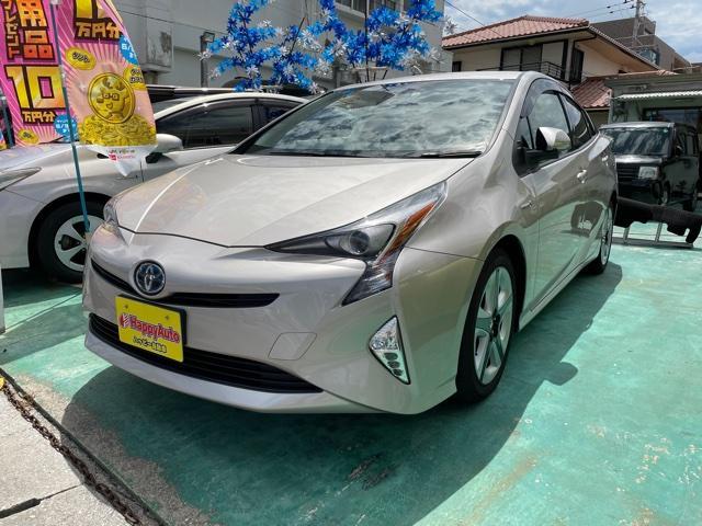 沖縄の中古車 トヨタ プリウス 車両価格 179万円 リ済込 2016(平成28)年 6.3万km ライトゴールドM