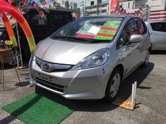 沖縄の中古車 ホンダ フィットハイブリッド 車両価格 63万円 リ済込 平成23年 6.7万K シルバー