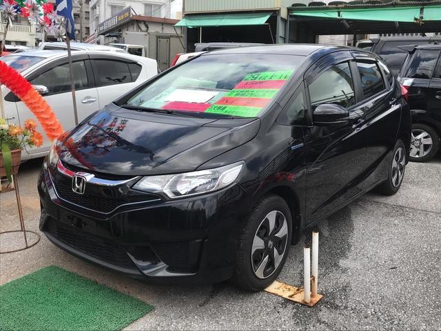 沖縄の中古車 ホンダ フィットハイブリッド 車両価格 109万円 リ済込 2017(平成29)年 3.2万km ブラック