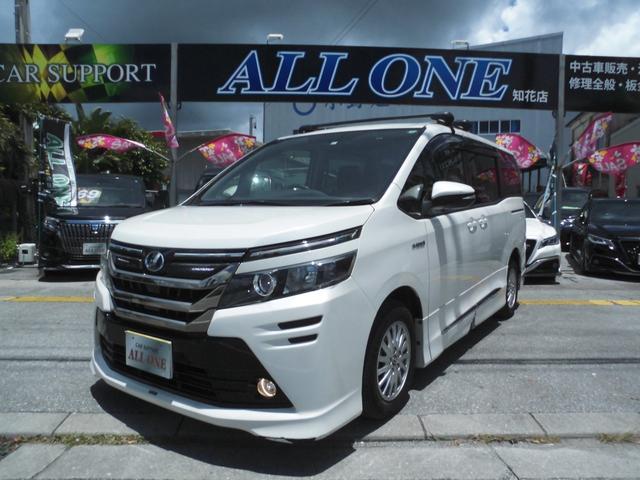 沖縄の中古車 トヨタ ヴォクシー 車両価格 209万円 リ済込 2014(平成26)年 4.8万km パールホワイト