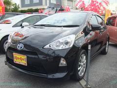 沖縄の中古車 トヨタ アクア 車両価格 128万円 リ済別 平成26年 4.2万K ブラック