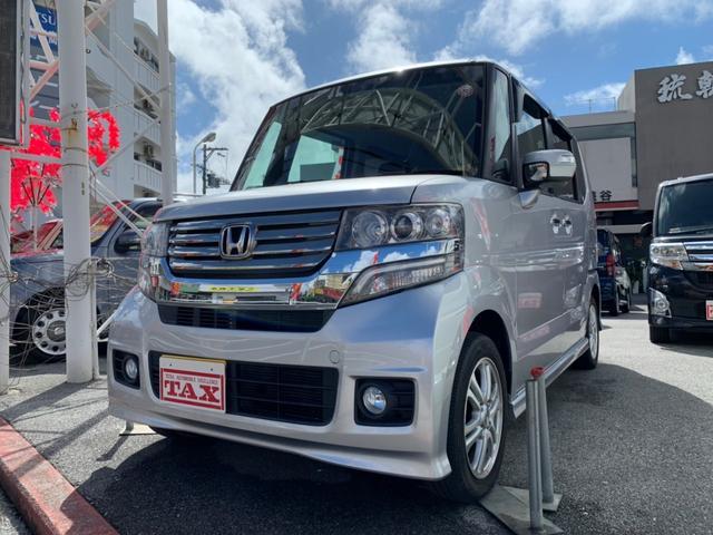 沖縄の中古車 ホンダ N-BOXカスタム 車両価格 98万円 リ済別 2012(平成24)年 7.1万km シルバー