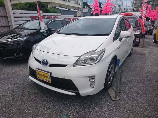 沖縄の中古車 トヨタ プリウス 車両価格 139万円 リ済別 2014(平成26)年 6.6万km ホワイト