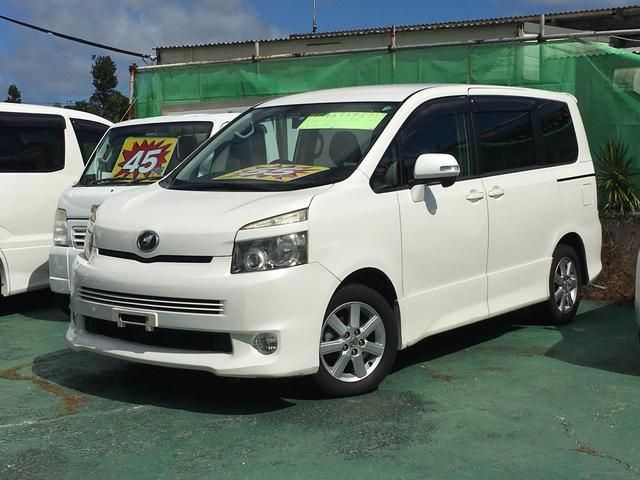 沖縄の中古車 トヨタ ヴォクシー 車両価格 45万円 リ済込 平成19年 15.8万km ホワイト
