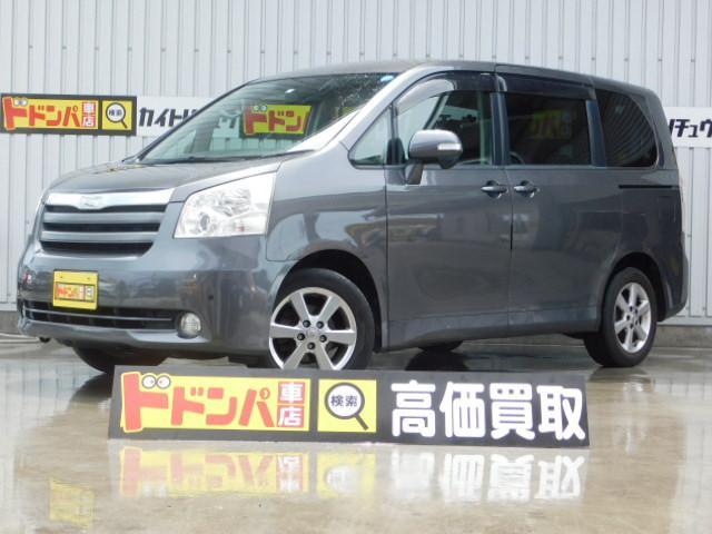 沖縄の中古車 トヨタ ノア 車両価格 40万円 リ済別 2008(平成20)年 12.2万km グレーM