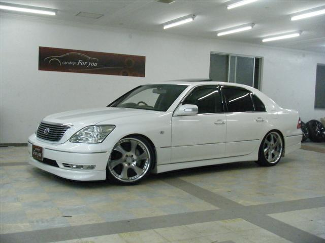 沖縄の中古車 トヨタ セルシオ 車両価格 90万円 リ済別 2004(平成16)年 13.5万km パールホワイト