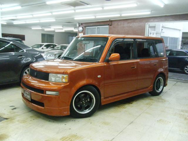沖縄の中古車 トヨタ bB 車両価格 30万円 リ済込 2003(平成15)年 8.5万km オレンジ