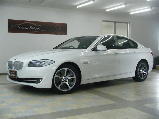 沖縄の中古車 BMW 5シリーズ 車両価格 155万円 リ済別 2012(平成24)年 5.5万km ホワイト