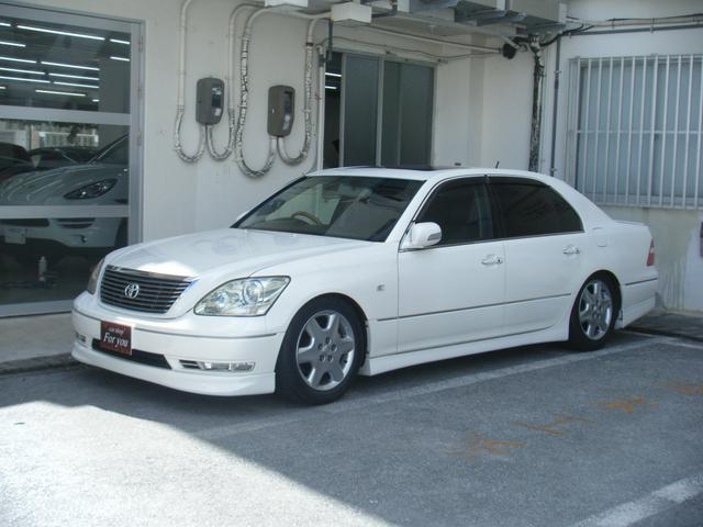 沖縄の中古車 トヨタ セルシオ 車両価格 60万円 リ済別 2004(平成16)年 14.7万km パールホワイト