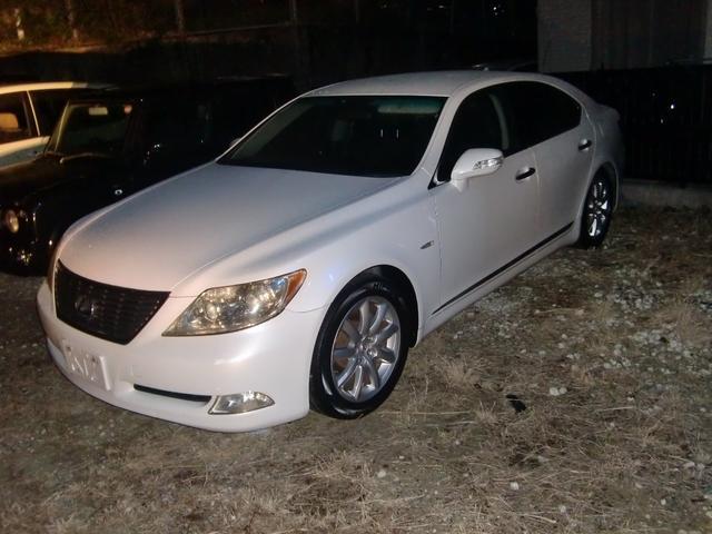 沖縄の中古車 レクサス LS 車両価格 90万円 リ済込 2006(平成18)年 18.0万km パールホワイト