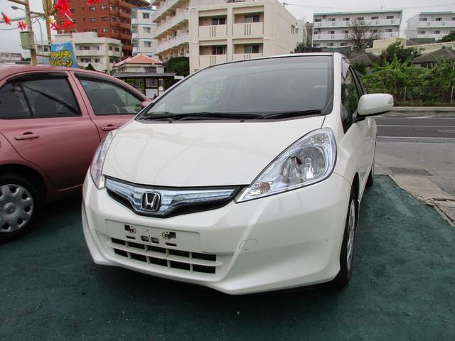 沖縄の中古車 ホンダ フィットハイブリッド 車両価格 39万円 リ済込 2010(平成22)年 11.7万km パールホワイト
