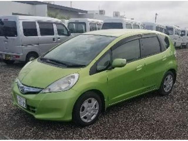 沖縄の中古車 ホンダ フィットハイブリッド 車両価格 33万円 リ済込 2010(平成22)年 15.3万km グリーン