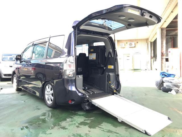 トヨタ 福祉車両 ウェルキャブ 電動スローパー 電動ウインチ