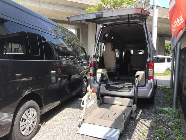 沖縄県の中古車ならNV350キャラバンバン リフト付チェアキャブ 車椅子2基載 福祉車両