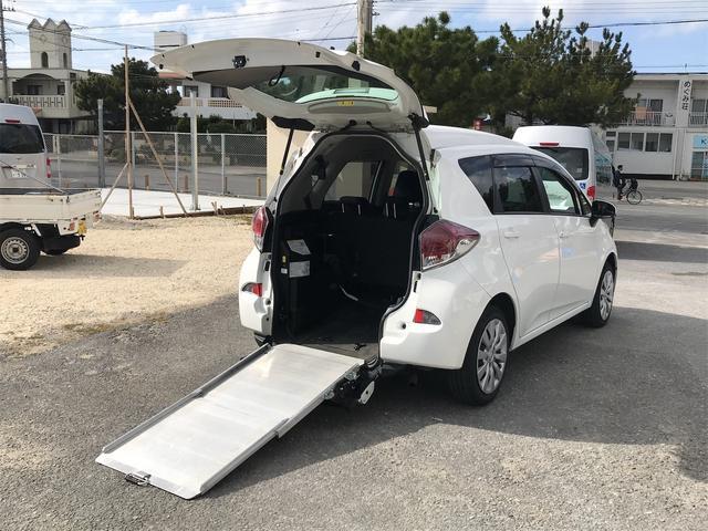 沖縄の中古車 トヨタ ラクティス 車両価格 95万円 リ済込 2015(平成27)年 10.0万km ホワイト
