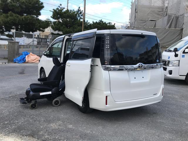 沖縄県の中古車ならヴォクシー X ウェルキャブ 2列目電動サイドリフトアップ脱着シート ナビTV バックモニター 左側パワースライドドア アイドリングストップ ETC Wエアコン 純正アルミ