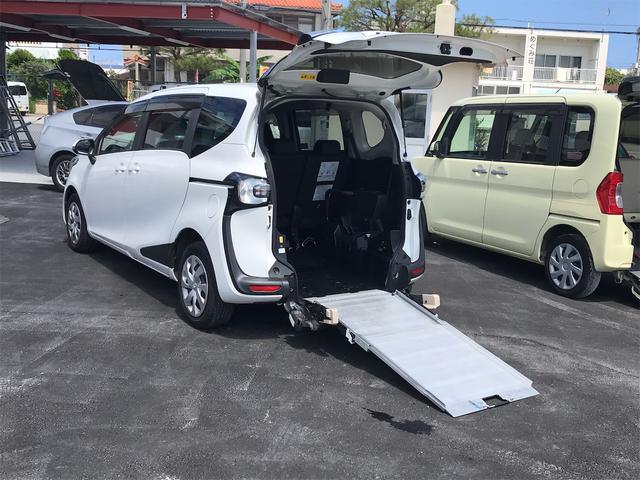 沖縄県の中古車ならシエンタ G ウェルキャブ 福祉車輛 両側パワースライドドア 後部スローパー 車椅子1基載 3列シート スマートキー