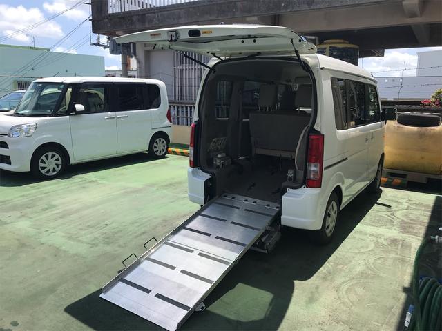 沖縄県の中古車ならエブリイワゴン  福祉車両 後部スローパー 車椅子1基載 キーレス CD 両側スライドドア