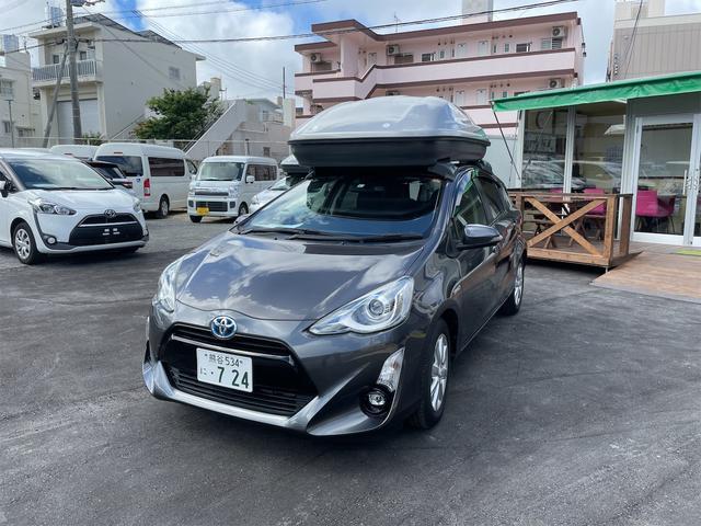 沖縄の中古車 トヨタ アクア 車両価格 184万円 リ済込 2015(平成27)年 0.7万km グレーメタリック