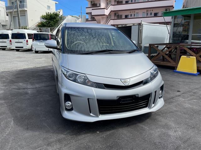 沖縄の中古車 トヨタ エスティマ 車両価格 205万円 リ済込 2015(平成27)年 6.8万km シルバーメタリック