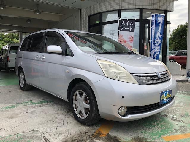 沖縄の中古車 トヨタ アイシス 車両価格 29万円 リ済別 平成18年 6.9万km シルバーメタリック
