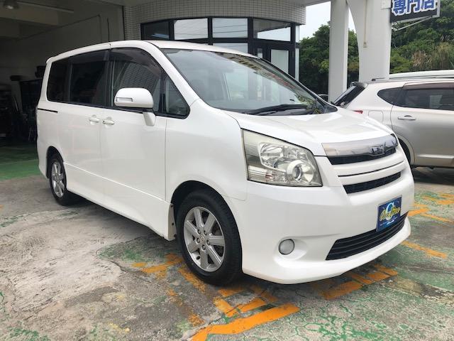 沖縄の中古車 トヨタ ノア 車両価格 55万円 リ済別 2008(平成20)年 8.5万km パールM