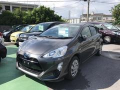 沖縄の中古車 トヨタ アクア 車両価格 137万円 リ済別 平成27年 4.8万K グレーM