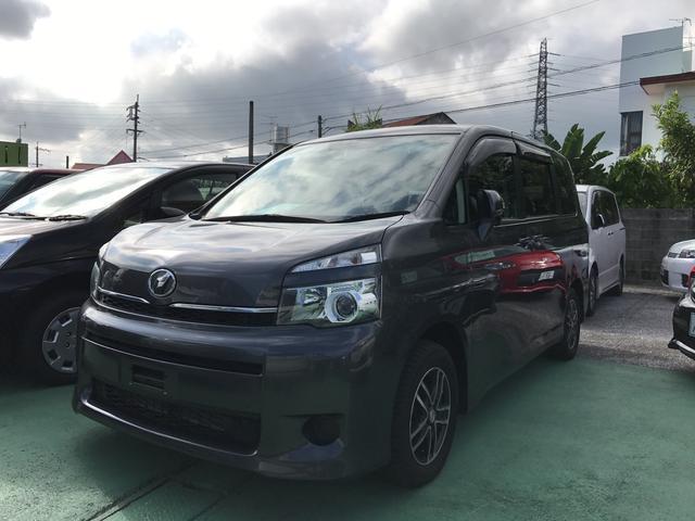 沖縄の中古車 トヨタ ヴォクシー 車両価格 148万円 リ済別 平成23年 4.9万km グレー