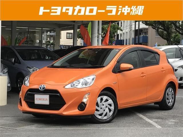 沖縄の中古車 トヨタ アクア 車両価格 156万円 リ済別 平成28年 0.7万km オレンジ