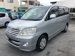 沖縄の中古車 トヨタ ノア 車両価格 18万円 リ済込 平成15年 14.6万K シルバーM