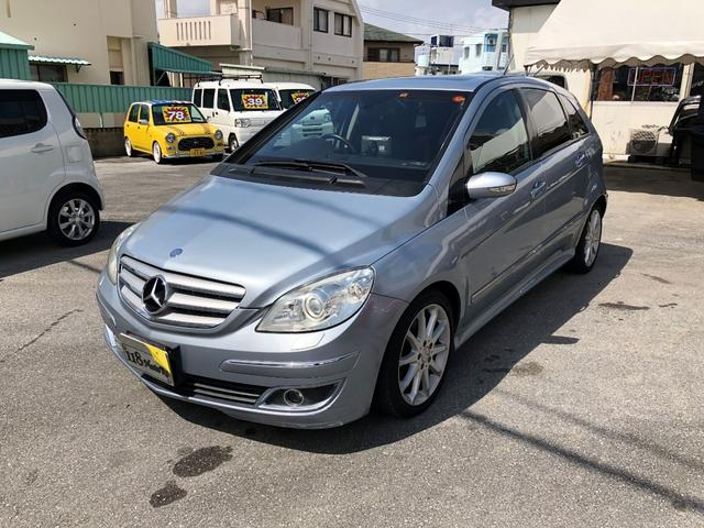 沖縄県の中古車ならM・ベンツ B200グラスルーフ
