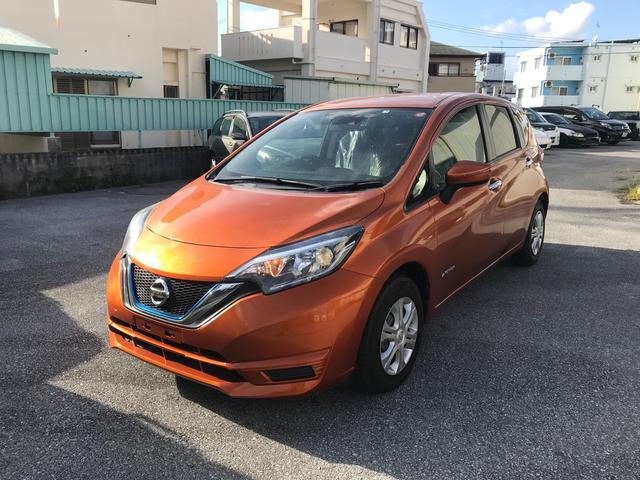 沖縄の中古車 日産 ノート 車両価格 97万円 リ済込 2017(平成29)年 4.7万km オレンジM