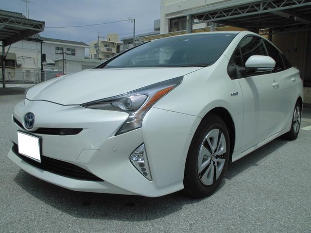 沖縄県の中古車ならプリウス A ToyotaSafetySense SDナビ・ETC付き
