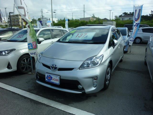 沖縄の中古車 トヨタ プリウス 車両価格 137.5万円 リ済別 2015(平成27)年 4.1万km シルバー