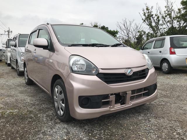 沖縄の中古車 ダイハツ ミライース 車両価格 52万円 リ済込 平成25年 4.0万km ピンク