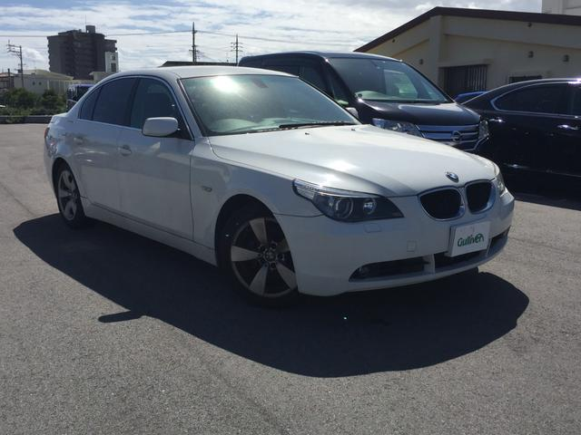 沖縄の中古車 BMW 5シリーズ 車両価格 43万円 リ済別 2005(平成17)年 9.5万km ホワイト