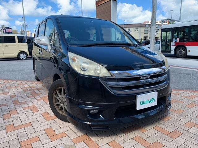 沖縄の中古車 ホンダ ステップワゴン 車両価格 44万円 リ済別 2007(平成19)年 12.1万km ブラック