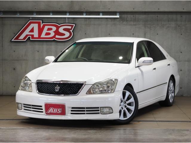 沖縄の中古車 トヨタ クラウン 車両価格 66万円 リ済別 2006(平成18)後 8.9万km パール