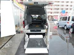 レジアスエースバン福祉車両 リフト式 4基積