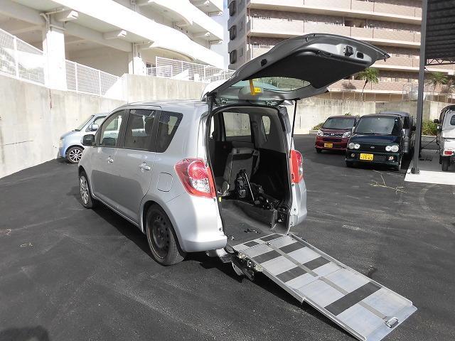 沖縄県豊見城市の中古車ならラクティス 福祉車両 1基積 スロープ式
