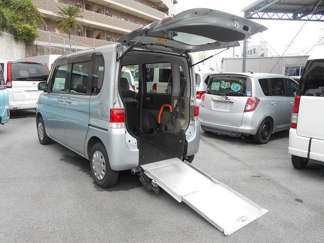 沖縄の中古車 ダイハツ タント 車両価格 62.8万円 リ済込 2010(平成22)年 8.7万km シルバー