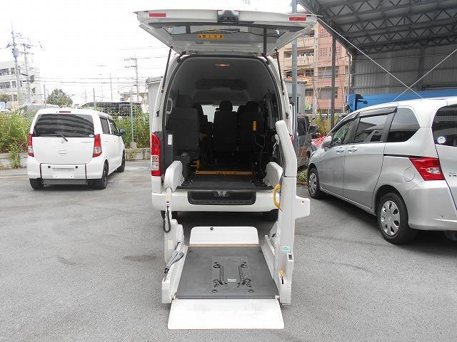 沖縄県豊見城市の中古車ならハイエースバン 福祉車両 2基積 リフト式